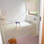 約1.5坪大の広い浴室。(オートバス)