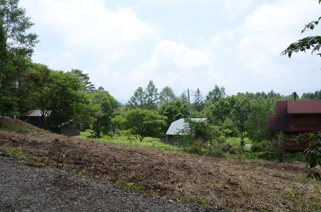 敷地北西側から東南方向を撮影。富士山の眺望があります。