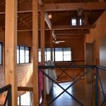 2階階段ホールから南方向を撮影。廊下右側が個室3部屋。