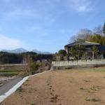 敷地南西側から北方向を撮影。八ヶ岳を眺望。