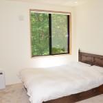 2階寝室8畳。