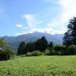 敷地南西側から南方向を撮影。南アルプス鳳凰三山の眺望。