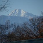 敷地から北岳の眺望。(望遠レンズ使用)
