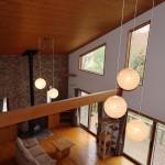 2階ホールからリビングを撮影。床と天井は全室天然木仕様。