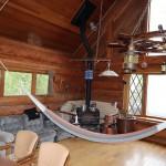 リビング北東角に薪ストーブ。床は10年前に張替え済み。