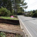 敷地北西側から南方向を撮影。道路は県道28号線.