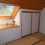 天窓付きの2階6畳和室