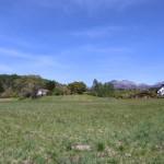 敷地東南側から北西方向を撮影。八ヶ岳の眺望あり。