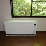 ドイツ製スティーベル蓄熱暖房機(各部屋に計6台設置)